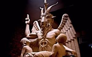 satanicstatues-640x402